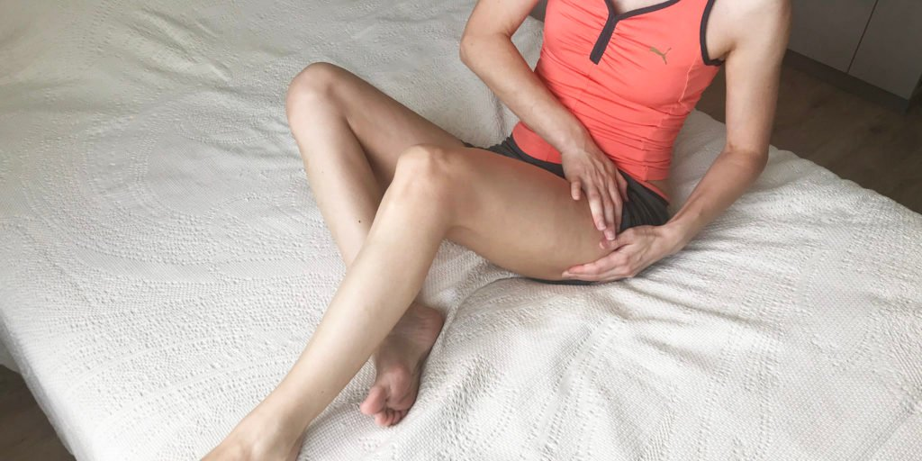 Закончить лимфодренажный самомассаж мягкими поглаживающими движениями