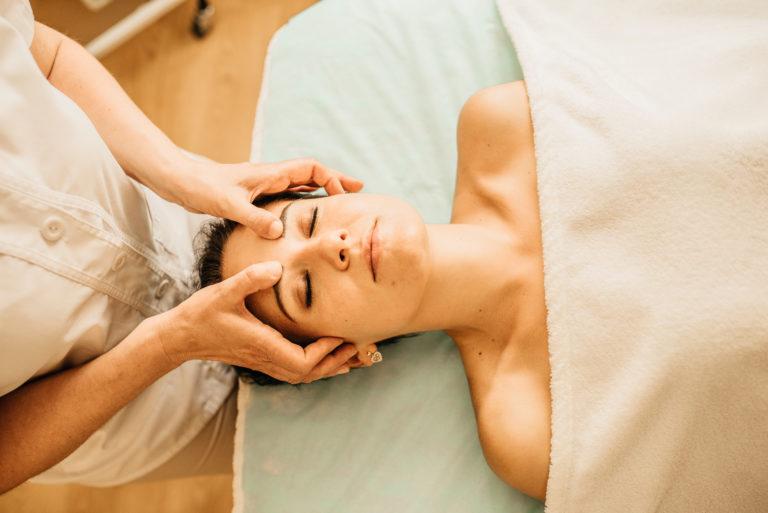 Лимфодренажный массаж лица в Киеве